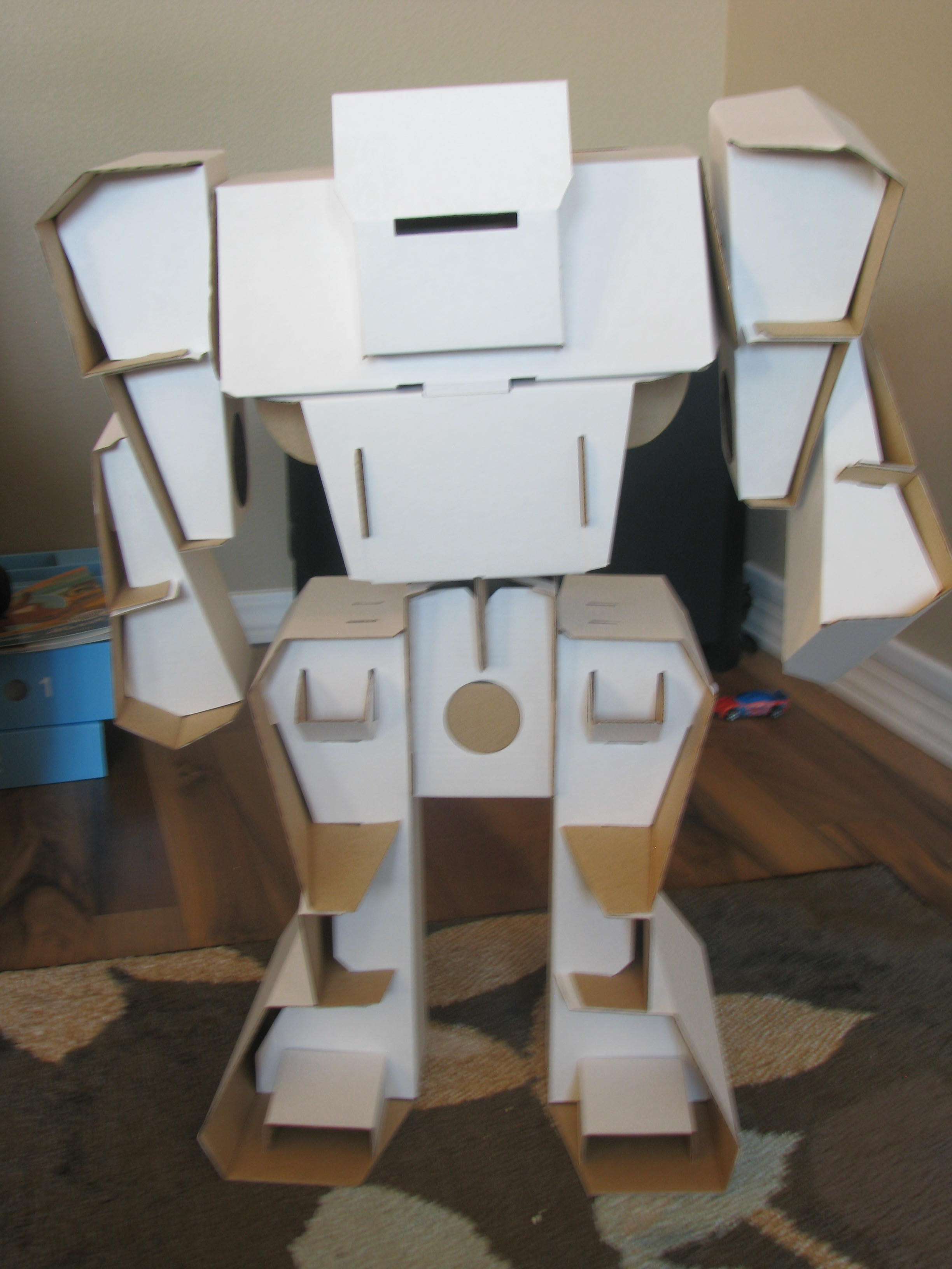 Do it yourself cardboard robot kit calafont calabot review once the calabot was finished it looked awesome it was bigger than i thought it would be and the kids thought he looked really cool solutioingenieria Image collections