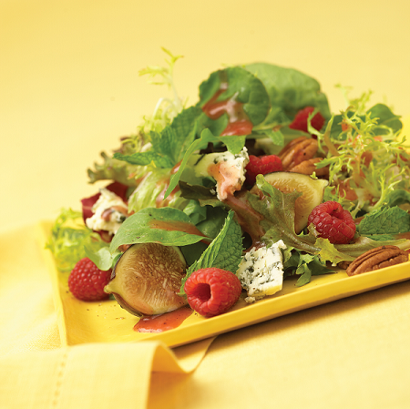 mixed green salad fruit and nuts