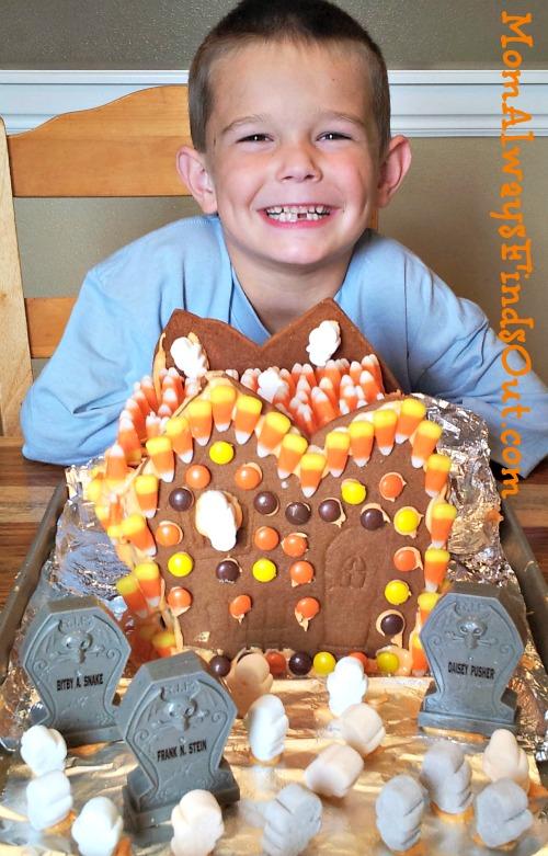 Halloween Gingerbread House #goodcookcom