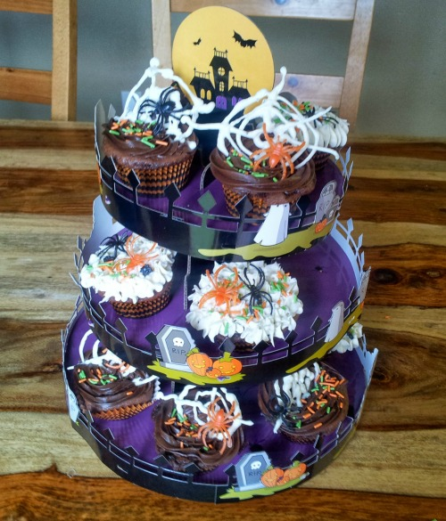 halloween cupcake stand goodcookcom - Halloween Cupcake Holder